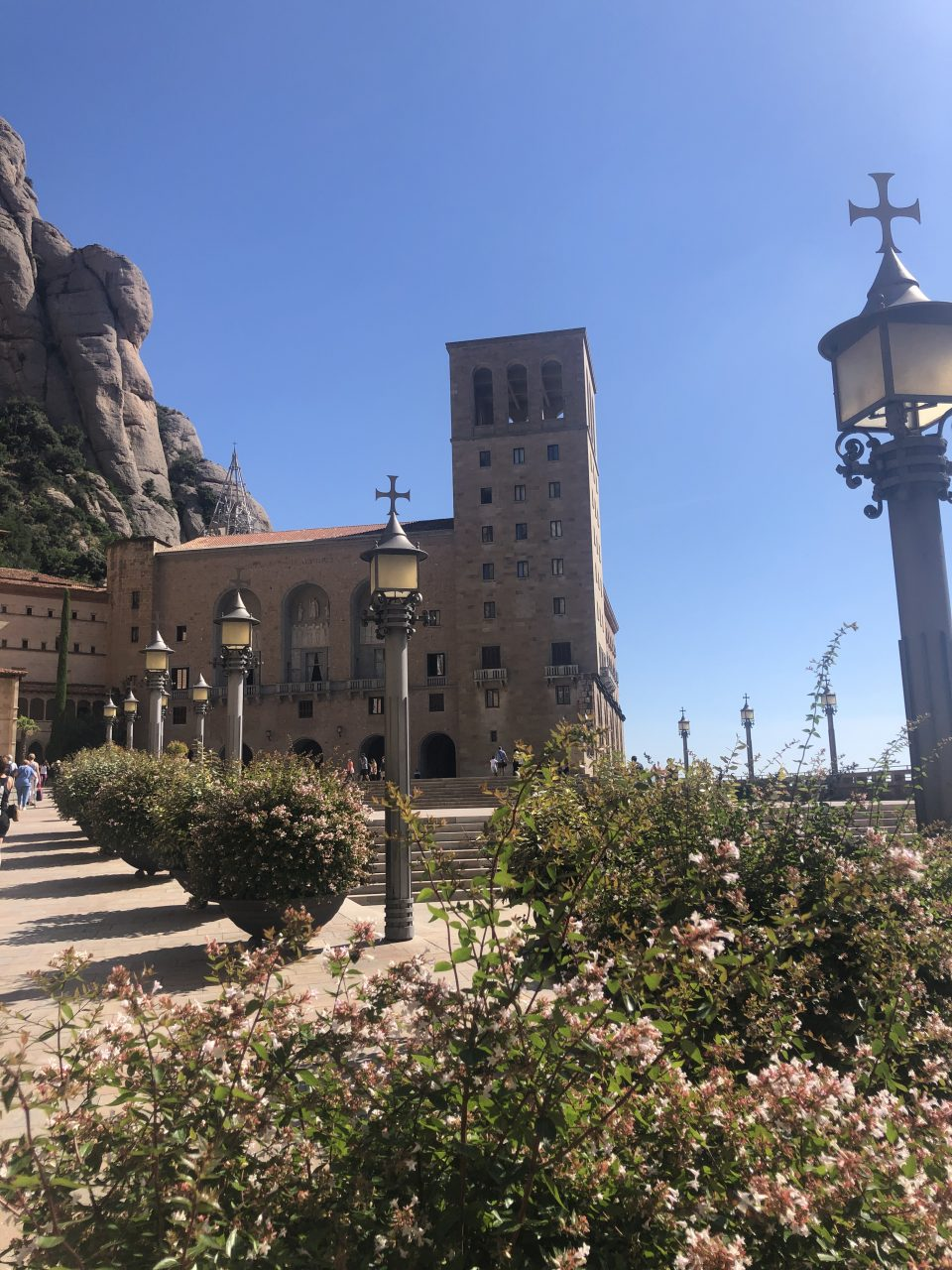 day-trip-from-barcelona-to-montserrat